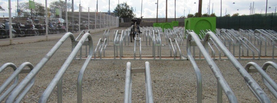Deixant la bicicleta a un espai vigilat, treballaràs o estudiaràs tranquil!